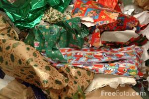 90_04_39-discarded-christmas-wrapping-paper_web